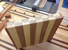 Another End Grain Board Build. Woodworking Jig Plans, Beginner Woodworking Projects, Woodworking Furniture, Woodworking Crafts, Diy Furniture, End Grain Cutting Board, Diy Cutting Board, Wood Cutting Boards, Bandsaw Projects