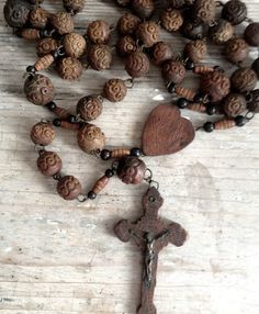 1000 images about rosaries on pinterest rosary beads the rosary and holy rosary. Black Bedroom Furniture Sets. Home Design Ideas