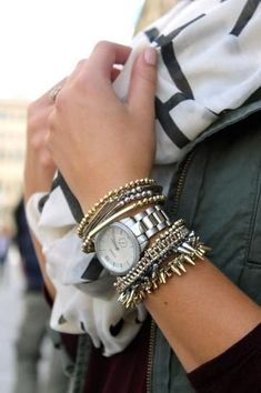 25 reasons you can (and should) mix gold and silver accessories // Edgy-chic arm party. #GoldJewelleryArmParty