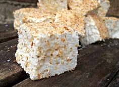 21 Allergy-friendly Christmas Treats for Real Foodies Homemade Marshmallow Recipe {GAPS, Paleo, SCD} Making this for Saturday& campfire :) Last time, we coated half w/coconut and half w/mac meal. Macadamia marshmallows were gone first by a landslide! Paleo Dessert, Healthy Sweets, Dessert Recipes, Candy Recipes, Healthy Snacks, Gelatin Recipes, Fudge Recipes, Recipes With Marshmallows, Homemade Marshmallows