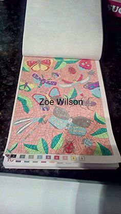 Peace and Love -50 Coloriages Mysteres Artist - Laetitia Sala Media -gel pens and fineliners