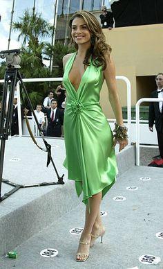 Green Satin Dress, Silk Satin Dress, Silky Dress, Satin Dresses, Sexy Dresses, Gowns, Dress Cuts, Blouse Dress, Night Gown