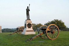 Hampton's Battery F / Ohio Battery H Monument Gettysburg National Battlefield Most Haunted Places, Scary Places, Gettysburg Battlefield, Places In America, Dream Vacations, The Hamptons, Places Ive Been, Around The Worlds, Adventure
