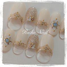 Gems, gold strips, pearls n diamonds ✨ Fabulous Nails, Gorgeous Nails, Love Nails, Pretty Nails, Japanese Nail Design, Japanese Nail Art, Japan Nail, Kawaii Nails, Homecoming Nails