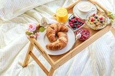 Mother's Day Breakfast In Bed: Tips, Tricks, and Gear - Chowhound Romantic Breakfast, Breakfast Tray, Perfect Breakfast, Breakfast Recipes, Breakfast Photo, Breakfast Sandwiches, Breakfast Ideas, Anniversary Breakfast, Birthday Breakfast For Husband