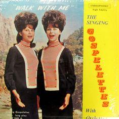 """The Singing Gospelettes, un antecedente de la marciana """"seductora"""" de Mars Attacks."""