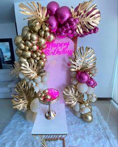 Ornament Wreath, Ornaments, Flamingo, Christmas Wreaths, Balloons, Instagram, Holiday Decor, Home Decor, Globes