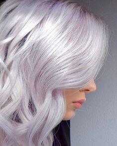 Chiffon Blonde 🌸 Using Treated With . Lavender Hair, Lilac Hair, Pastel Hair, Purple Blonde Hair, Platinum Hair Color, Silver Platinum Hair, Silver Hair Highlights, Silver White Hair, Hair Looks