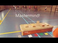 Mastermind in de gymles! Physical Education Activities, Sports Activities For Kids, Pe Activities, Team Building Activities, Games For Kids, Gym Games, Youth Games, Camping Games, Sport Snacks