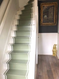 39 Inspiring Painted Stairs Ideas - Home Decorating Inspiration House Stairs, House, Traditional Staircase, Home, Staircase Design, New Homes, House Interior, Painted Stairs, Modern Properties