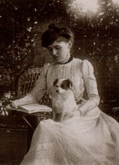 Edith Wharton (1862–1937): Pulitzer Prize-winning American novelist, short story writer, and designer.