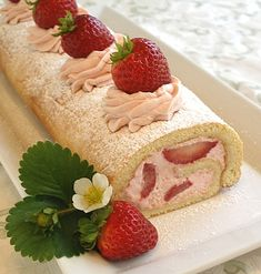Gluten-Free Fresh Strawberry Roulade or Jelly Roll Cake | baking911.com