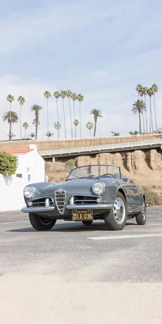 Alfa Romeo Giulietta Spider, Alfa Romeo Spider, Fifth Gear, Performance Engines, Madison Avenue, Small Cars, Car And Driver, Motor Car, Car