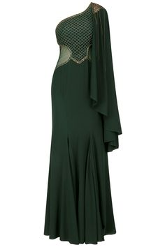 Kamaali Couture Green Jaal Embroidered One Side Cape Gown Stylish Dress Designs, Stylish Dresses, Elegant Dresses, Nice Dresses, Fashion Dresses, Marvel Fashion, Indian Gowns, Indian Wear, Cape Gown