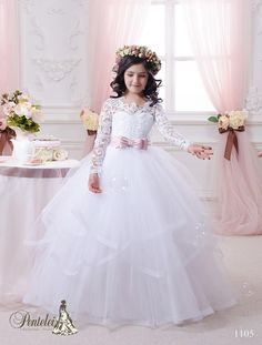 2016 Ball Gown Flower Girls Dresses With Long Sleeves And Tiered Skirt Lace Appliqued Tulle Beautiful First Communion Gowns For Little Girls Young Girls Dresses Baptism Dresses For Toddlers From Uniquebridalboutique, $92.27| Dhgate.Com