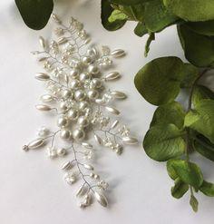 Жемчужное украшение в свадебную причёску