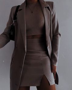 Edgy Outfits, Teen Fashion Outfits, Cute Casual Outfits, Girl Outfits, Suit Fashion, Look Fashion, Baggy Pants, Look Street Style, Elegantes Outfit