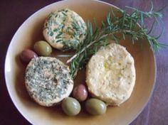 Rosemary/Basil/Garlic Cheese (vegan, homemade)