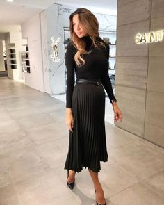 Image about girl in fashion. by Dolce Vita on We Heart It Business Casual Outfits, Professional Outfits, Office Outfits, Classy Outfits, Chic Outfits, Fashion Outfits, Fashion Trends, Workwear Fashion, Fashion Clothes