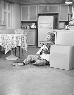 I Love Lucy: Lucy is up in the middle of the night trying to console little Ricky's new pet dog, 'Fred', who's been barking up a storm and disturbing the neighbors.