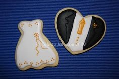 Cookie Bride & Groom Wedding Favors ~ This would be a good idea & to use the color of your wedding on the dress & on the tie!  :)