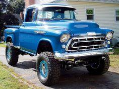 Beautiful 57 Chevy - 4x4
