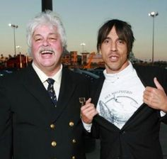 Red Hot Chili Peppers supports Sea Shepherd <3 Anthony =)