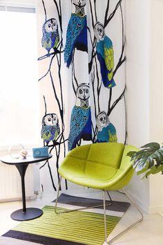 Sisustus - olohuone - moderni ja harmoninen kokonaisuus näyttävällä verhokuviolla Vallila