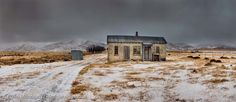 Historic Farm After Snowfall Otago New Abandoned Houses, Abandoned Places, Old Houses, Cromwell New Zealand, Central Otago, New Zealand Houses, Kiwiana, South Island, Old Buildings