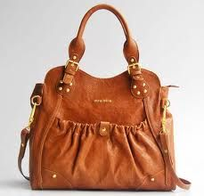 Coach handbags are extremely famous among the fashion conscious women.    It is the example of the value of branded products. It creates fashion statements with dresses.