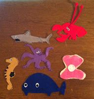 "Beach / Playa bilingual storytime ideas including the flannelboard rhyme ""Los tiburones en la mar / The Sharks in the Sea"" to the tune of ""Wheels on the Bus"""