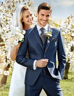 Wedding suit Trends Spring / Summer 2016 for the groom - WILVORST. Bride with groom in a smart blue Wedding Tux, Wedding Attire, Blue Wedding, Wedding Colors, Costumes Slim, Vest And Tie, Groom Tuxedo, Perfect Wedding Dress, Bridesmaid Dresses