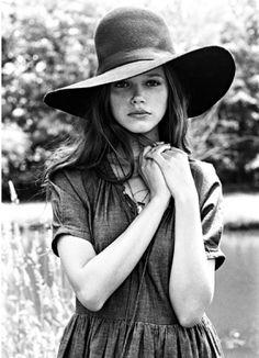 #fashion . #portrait . #photography . #hat