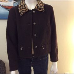 Vintage 100% wool jacket. Dark brown 100% wool jacket. Leopard print faux fur collar. 2 small front pockets. Eir Jackets & Coats