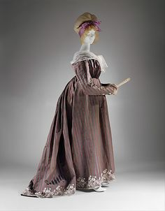 Dress (Round Gown), ca. 1795, Italian, silk & linen - in the Metropolitan Museum of Art [Many great close-up photos of this dress, including inside lining of the bodice.]