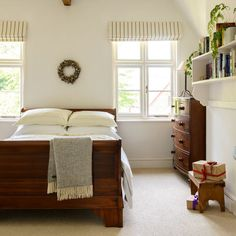 Neutral bedroom with mahogany sleigh bed   19th-century cottage in Devon   House Tour   PHOTO GALLERY   Ideal Home   Housetohome.co.uk