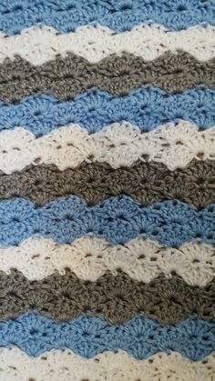 Crocheted shell stitch baby blanket in pink by auntiejenniesattic shell stitch baby blanket crochet babyblanket dt1010fo