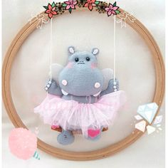 1 million+ Stunning Free Images to Use Anywhere Baby Crafts, Diy And Crafts, Arts And Crafts, Diy For Kids, Crafts For Kids, Crochet Wall Art, Baby Gifts To Make, Felt Crafts Patterns, Baby Deco