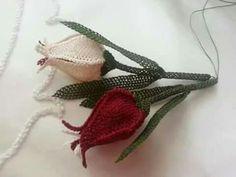 Needle Lace Tulip Flower Rosary Making - Moda New - Diy Crafts - Jute Crafts, Diy Crafts, Tatting, Crochet Patterns, Knitting Patterns, Red Jewelry, Needle Lace, Lace Making, Ribbon Embroidery