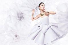 A atriz global Sophie Charlotte estrela a campanha da marca de acessórios Balonè