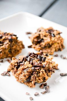 Gluten free & plant-based Labor Prep Cookies recipe. A healthy pregnancy snack to help prepare for childbirth, and fuel you at the end of pregnancy!