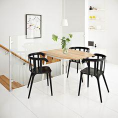 IKEA PS 2012 klaffbord i bambu/vitt med plats för 2–4 personer med IKEA PS 2012 svarta karmstolar