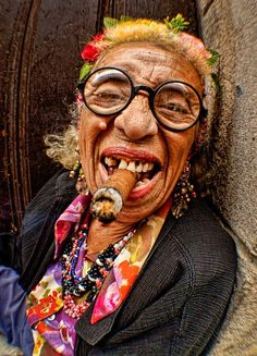 2013 Famous Granny Puretta of Havana, Cuba by John Galbreath Foto Portrait, Portrait Photography, Mode Hippie, Frida Art, Old Faces, Interesting Faces, Happy People, People Around The World, Old Women