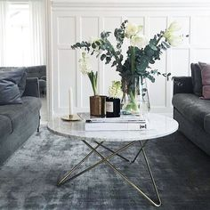 What an amazing home! Check out @nadjamini ⭐️ #livingroom #vardagsrum #marmor…