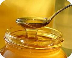 2 Great Cough Remedies with Honey and Onions - Step To Health Home Remedies, Natural Remedies, Pele Natural, Salud Natural, Diy Hair Treatment, Honey Benefits, Nutrition, Damp Hair Styles, Natural Sugar