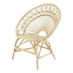 In a vintage or exotic décor, this rattan armchair has a natural finish to create a warm atmosphere. Making its comeback in our decoration, rattan will appeal to true nostalgics. Poltrona Vintage, Chaise Vintage, Vintage Armchair, Rattan Rocking Chair, Rattan Armchair, Armchairs, Peacock Living Room, Bamboo Furniture, Rustic Industrial