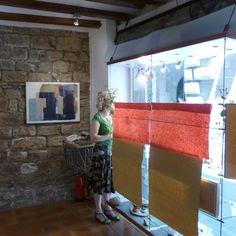 Window from inside gallery / Aparador des de l'interior / Escaparate desde el interior
