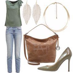 Un+outfit+giorno+per+un+caffè+con+le+amiche+per+raccontare+le+vacanze+appena+passate...+Top+verde+che+scivola+addosso+con+jeans+skinny+e+décolleté+con+tacco+alto.