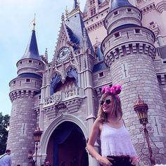 VÍDEO NOVO: Magic Kingdom (o parque mais encantado ❤️❤️❤️) www.youtube.com/barbiepahetaci
