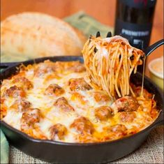 Baked meatball and spaghetti recipe Top Recipes, Beef Recipes, Dinner Recipes, Cooking Recipes, Easy Recipes, Healthy Recipes, Cooking Ideas, Drink Recipes, Easy Meals